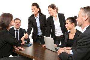 Unternehmen und Konzerne Lohnbuchhaltung