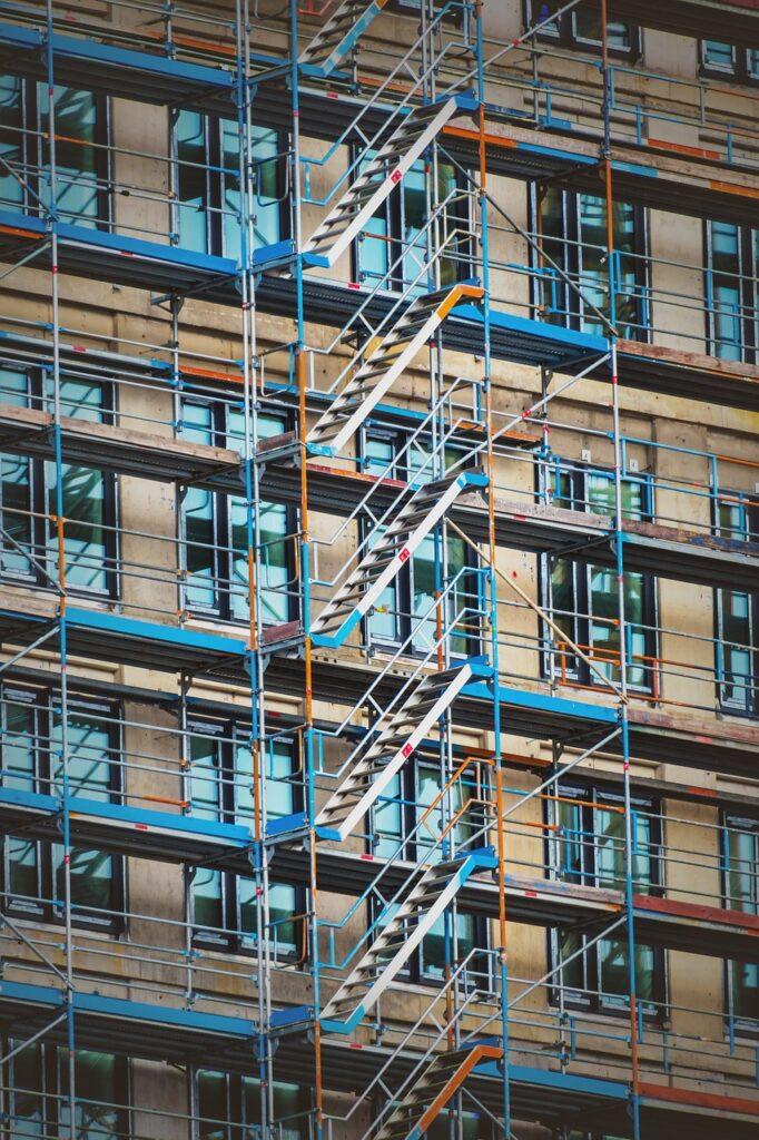 Baugerüst Baulohn Baustelle